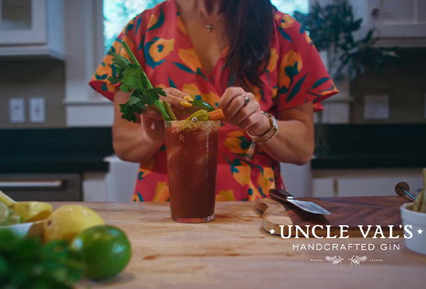 how to make gin summer cocktail video still